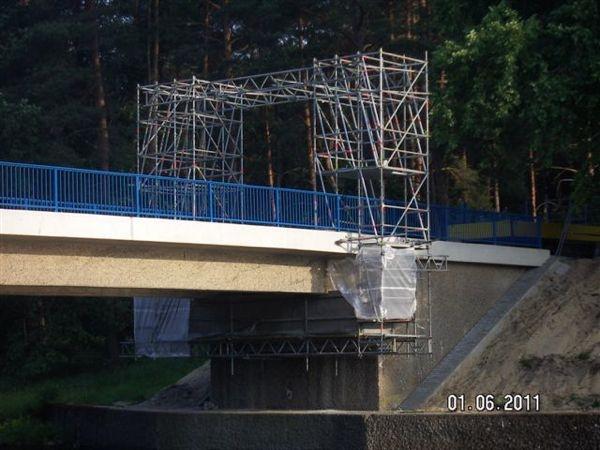 Fahrwagen-Sonderkonstruktion: Sanierung Brückenuntersicht mit einem Fahrwagen