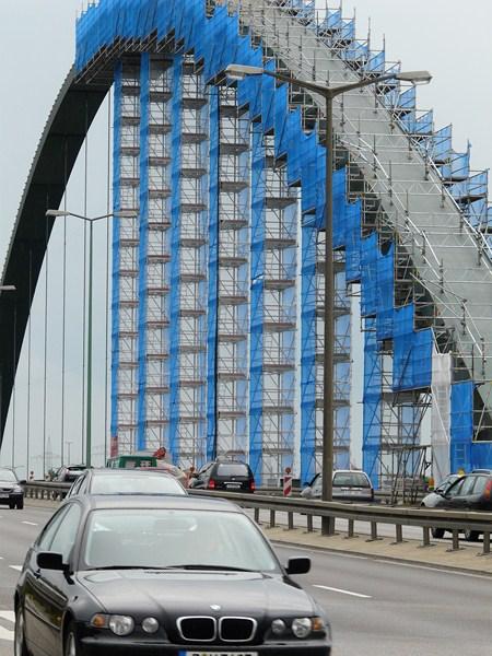 Stahl-Bogenbrücke Kopie