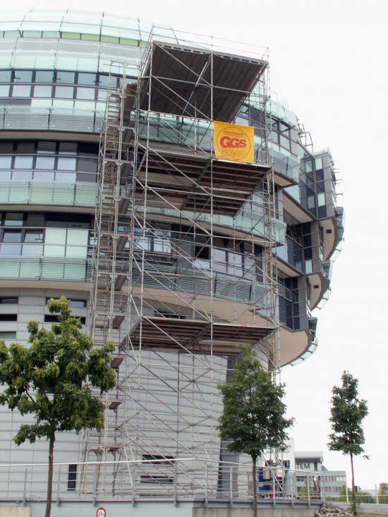 Absetzgerüst an Haus-Fassade
