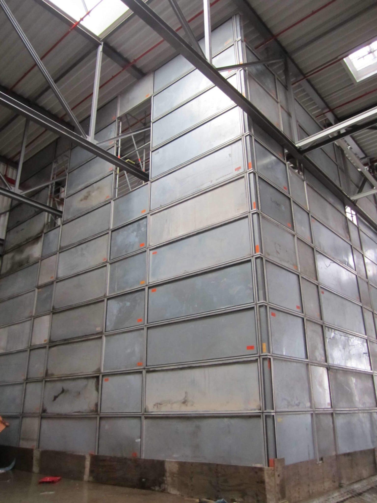 Staubschutzwand für Bauprojekte in Industriebetrieben