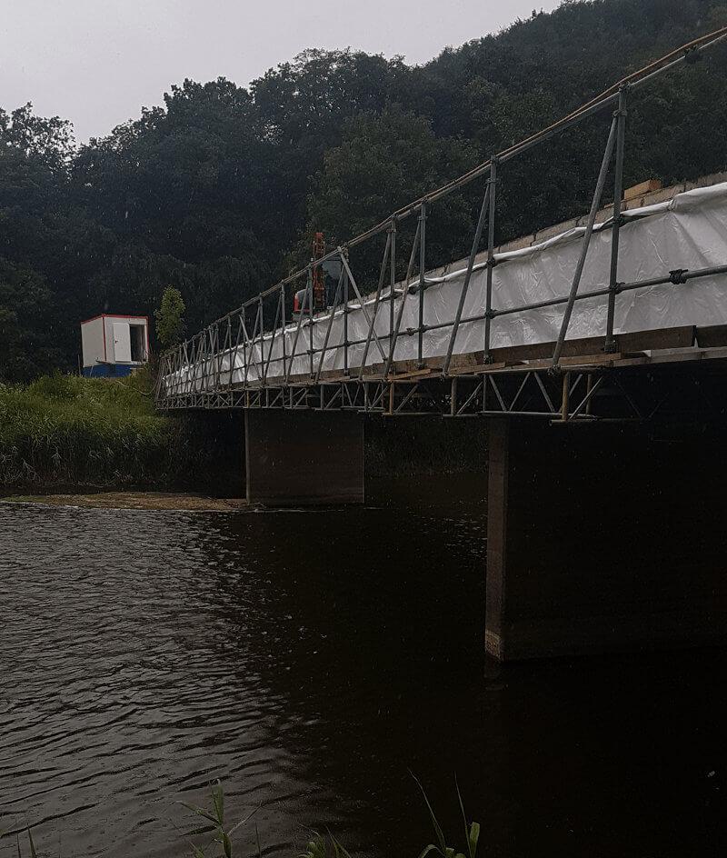Hängegeruest Brücke